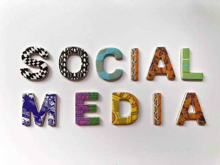 sales with social media